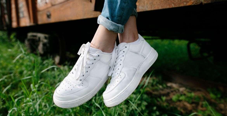 Λευκά Sneakers για Πάντα !