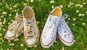 κρατήστε καθαρά τα λευκά sneakers