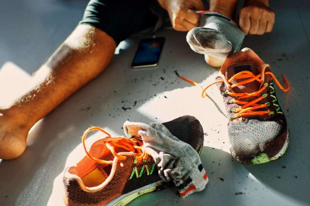 Πώς να Ξεμυρίσουν τα Παπούτσια μου
